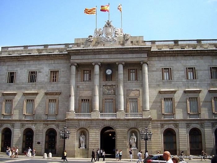 Barcelona, un ayuntamiento comprometido con el sufrimiento humano