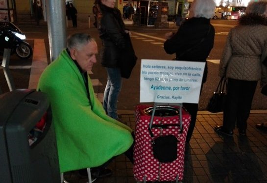 Mercadillo por las personas sin techo